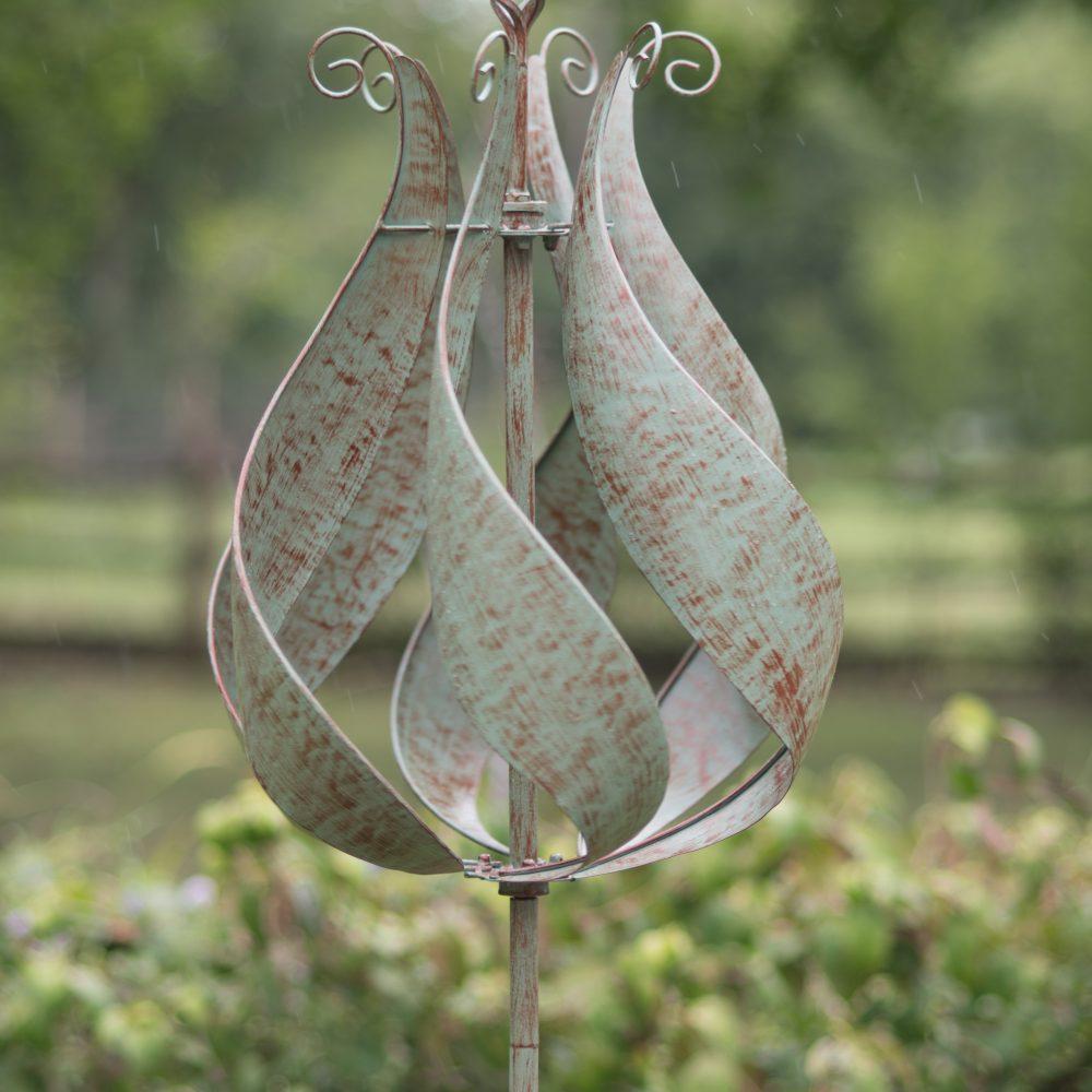 Tulip Wind Spinner Verdigree Large Light Innovation